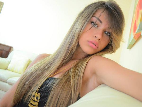 Ragazze russe su facebook 6 modi per riconoscere un - Immagine di una ragazza a colori ...