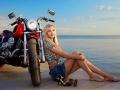 ragazza russa moto
